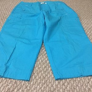 COLDWATER CREEK TEAL CAPRI. STYLISH BUTTON LOOPS.